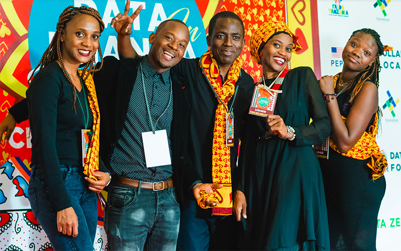 Data-Driven Khanga Fashion Show – A night filled with data and art to promote social change